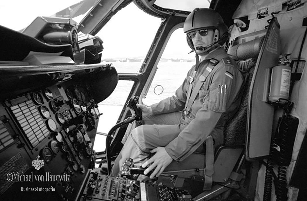 Cockpit CH 53 Hubschrauber | Regiment 35 in Mendig