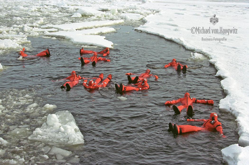 Eisschwimmen Eisbrecher Sampo | Finnland