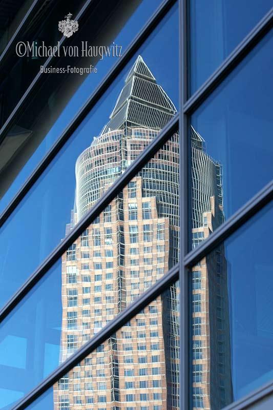 Spiegelung Messeturm | Frankfurt